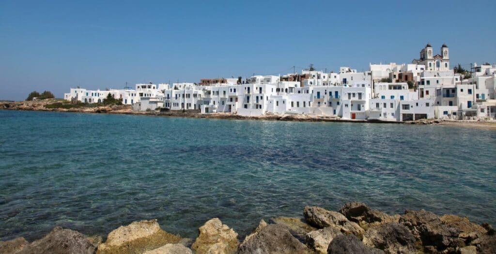 Πάρος: H όμορφη Παροικιά στην καρδιά του Αιγαίου1