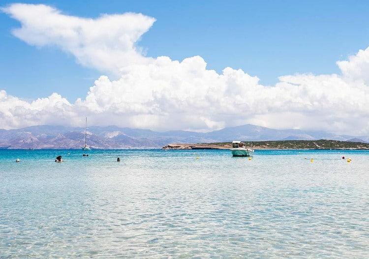 Παραλία Σάντα Μαρία: Βουτιές στην ξεχωριστή των Κυκλάδων3