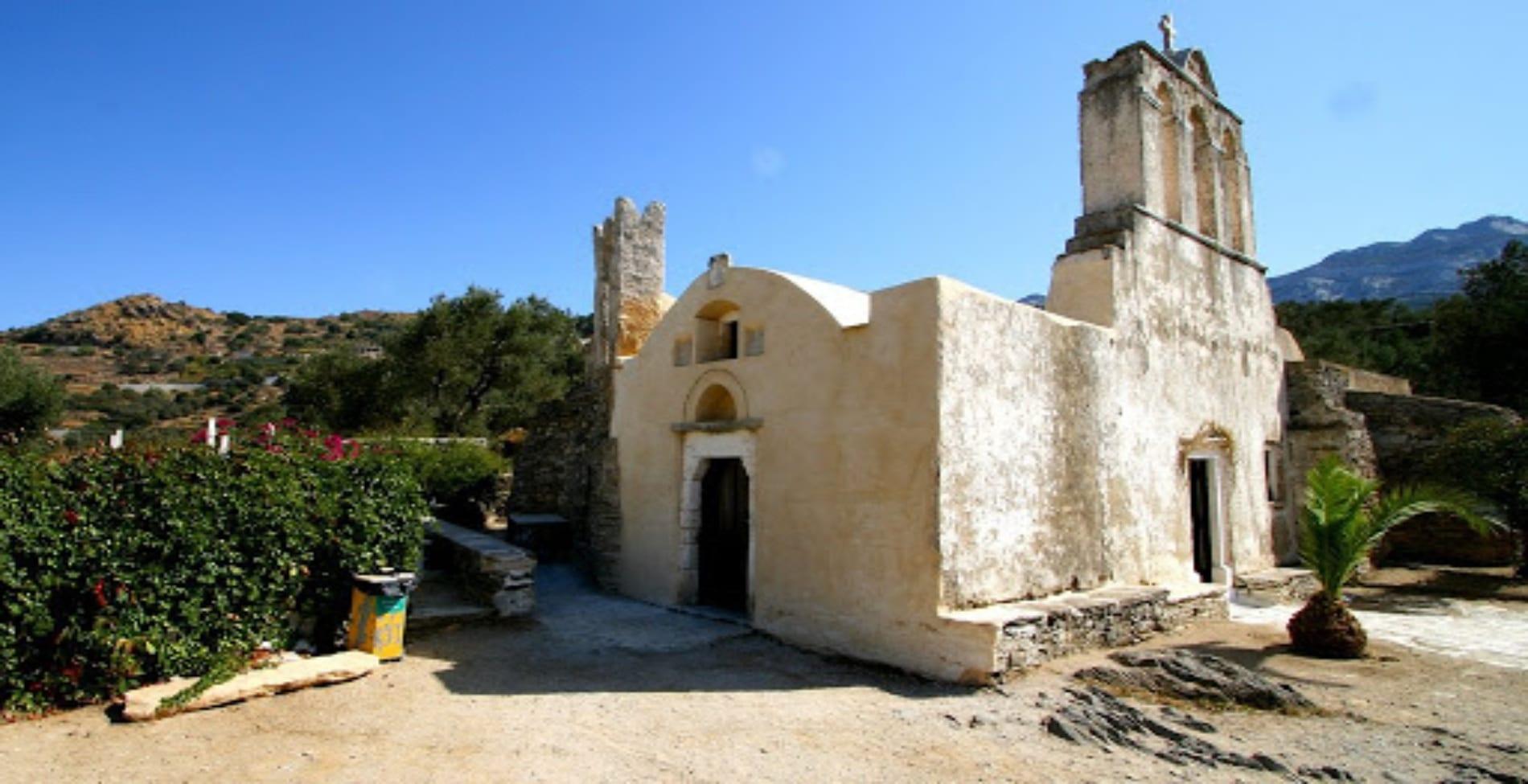 Παναγία Δροσιανή: Η πιο ιστορική παραλία της Νάξου1