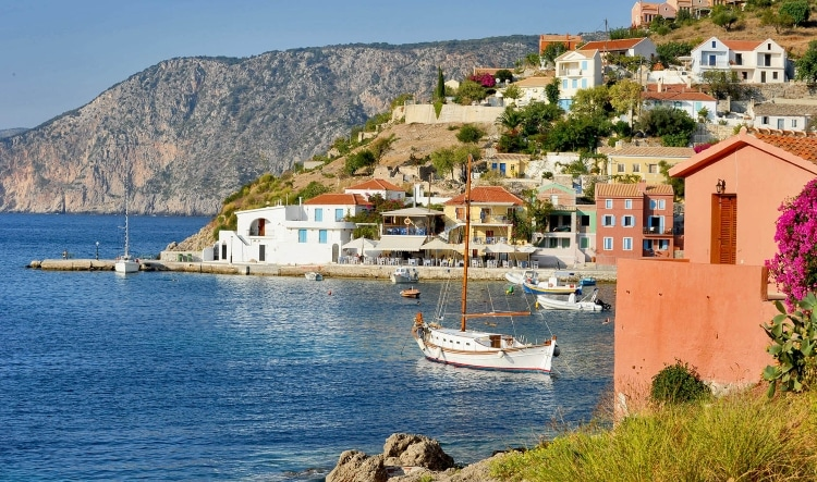 Assos: The fairy-tale village that rests on the sea1