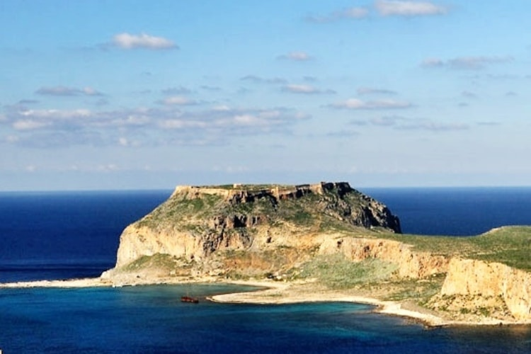 The Greek island that was a pirate kingdom 1