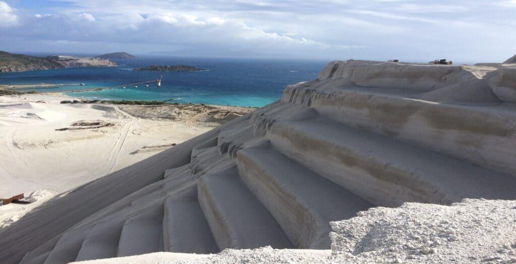 Γυαλί: Το άγνωστο νησί – «οχτώ» της ελαφρόπετρας1