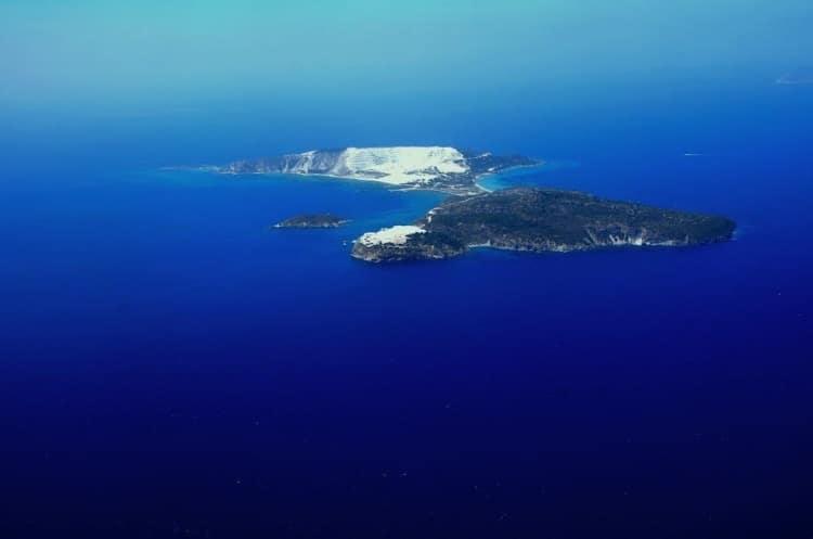 Γυαλί: Το άγνωστο νησί – «οχτώ» της ελαφρόπετρας