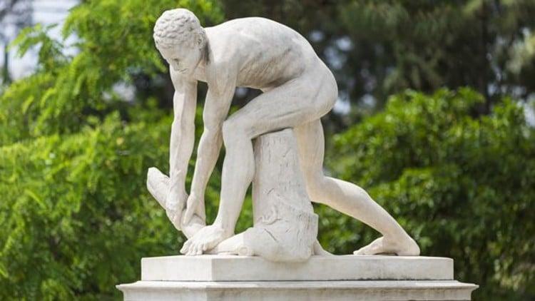 Tο γνωστό άγαλμα της Αθήνας και γιατί έμεινε στο εργαστήριο 38 χρόνια 1