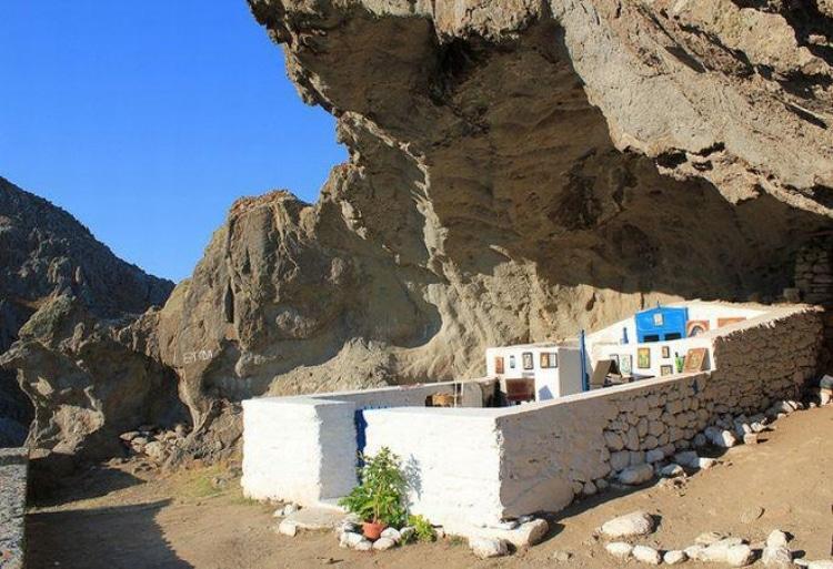 Το μοναδικό εκκλησάκι στην Ελλάδα που είναι χωρίς σκεπή 1