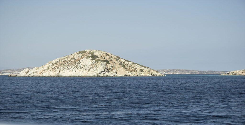Αυτό είναι το «νησί αίνιγμα» του Αιγαίου και η ιστορία του1