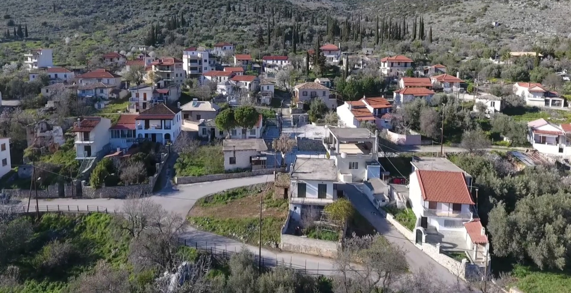 Αυτό το ελληνικό χωριό είναι στην πραγματικότητα η Κολοπετινίτσα1