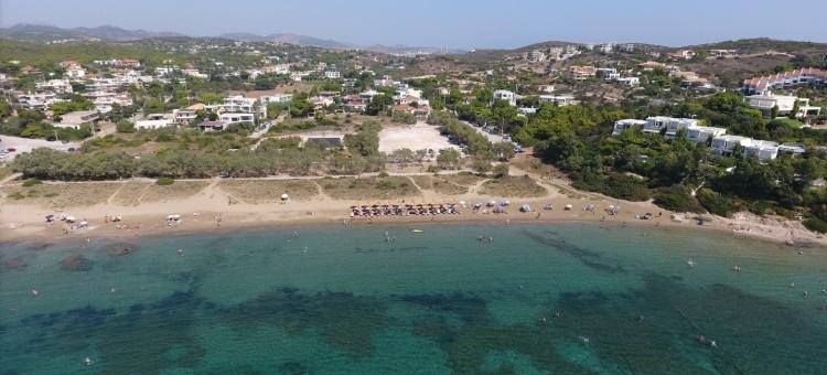 Πασαλιμάνι: Η παραλία που μπορείς να κάνεις τις βουτιές σου