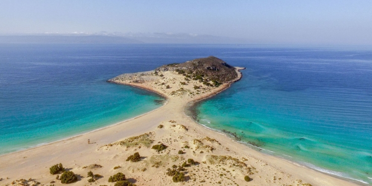 The exotic Greek beaches associated with pirates1