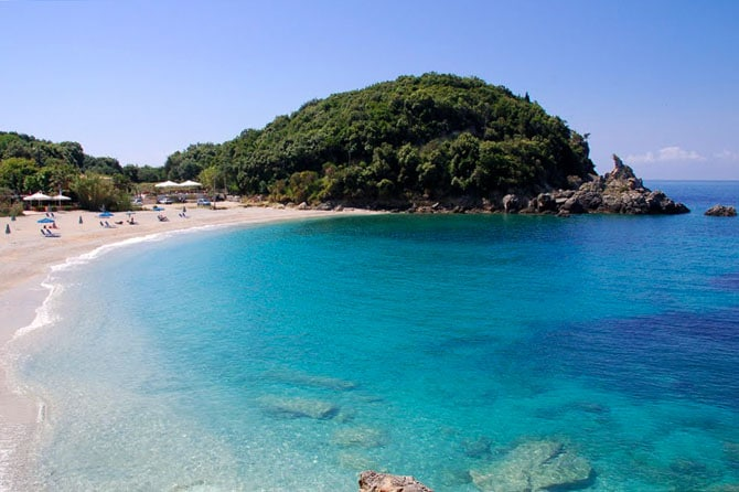 The exotic Greek beaches associated with pirates2