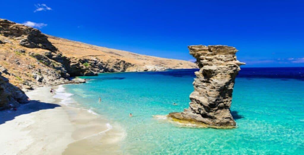 Της γριάς το πήδημα: Γιατί ονομάστηκε έτσι η διάσημη παραλία3