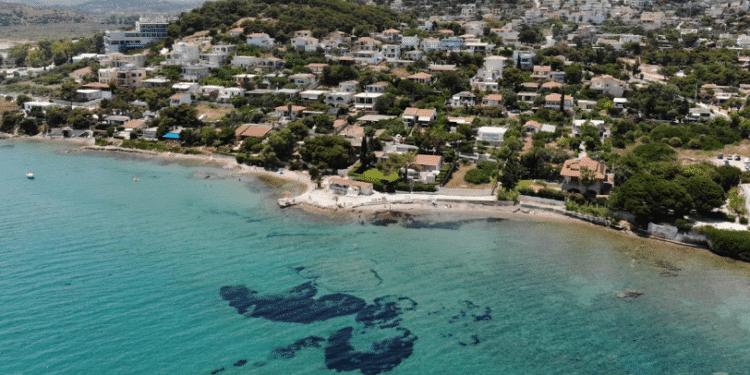 Τέσσερις παραλίες στην Αττική με ζεστά νερά3