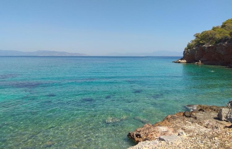 Δραγονέρα: Η εξωτική παραλία στο Αγκίστρι