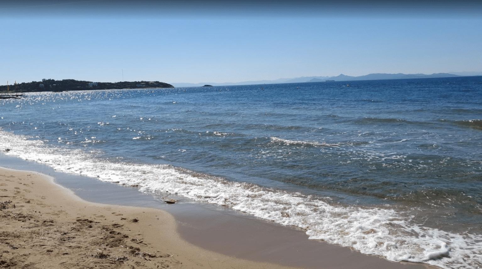 Τέσσερις παραλίες στην Αττική με ζεστά νερά2