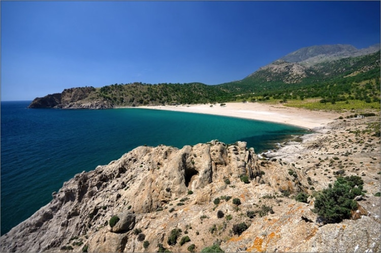 Three special beaches of Samothraki for alternative vacations