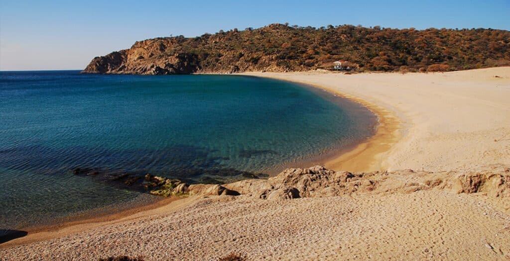 Τρεις ξεχωριστές παραλίες της Σαμοθράκης για εναλλακτικές διακοπές