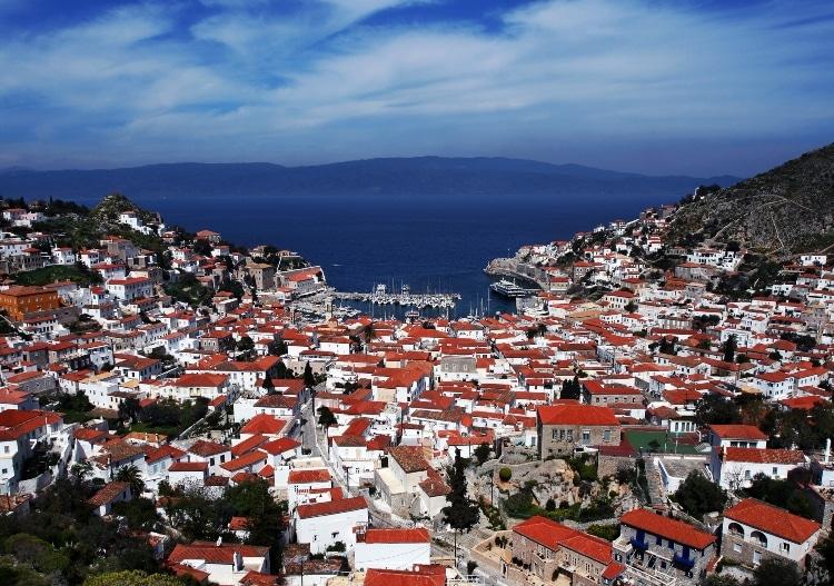Τέσσερα νησιά δίπλα στην Αθήνα ιδανικά για σαββατοκύριακο