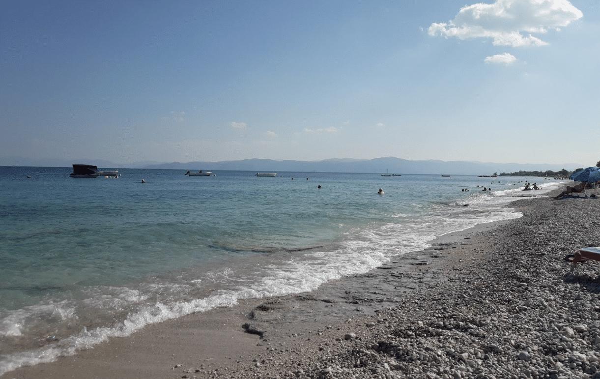 Παραλίες με εύκολη πρόσβαση και άνετο πάρκινγκ στην Αττική4