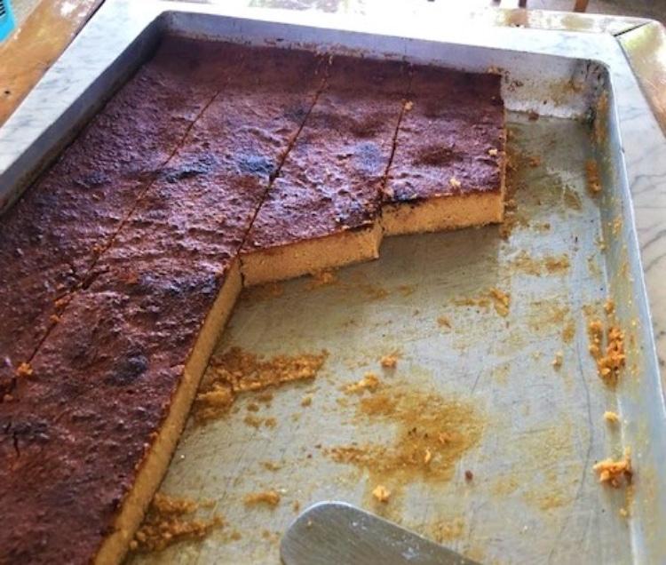 Μελόπιτα: Το γλυκό που δεν πρέπει να χάσεις στη Σίφνο της γαστρονομίας