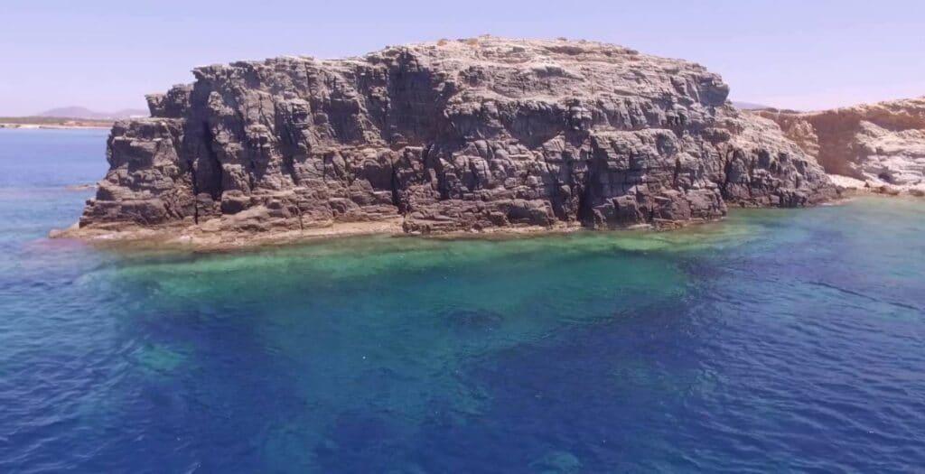 Το ελληνικό νησί που κάποτε το πήρε προίκα ένας άνδρας2