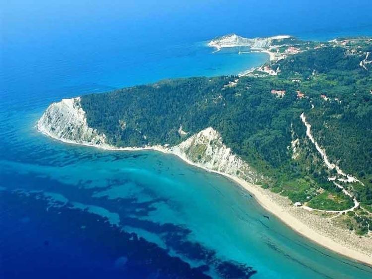 Ερεικούσα: Ο άγνωστος μικρός παράδεισος του Ιονίου