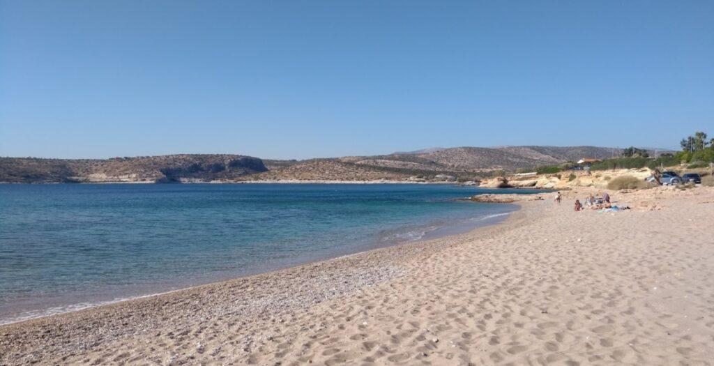 Νησί Ντούνη: Η άγνωστη παραλία της Αττικής με την αφράτη άμμο1