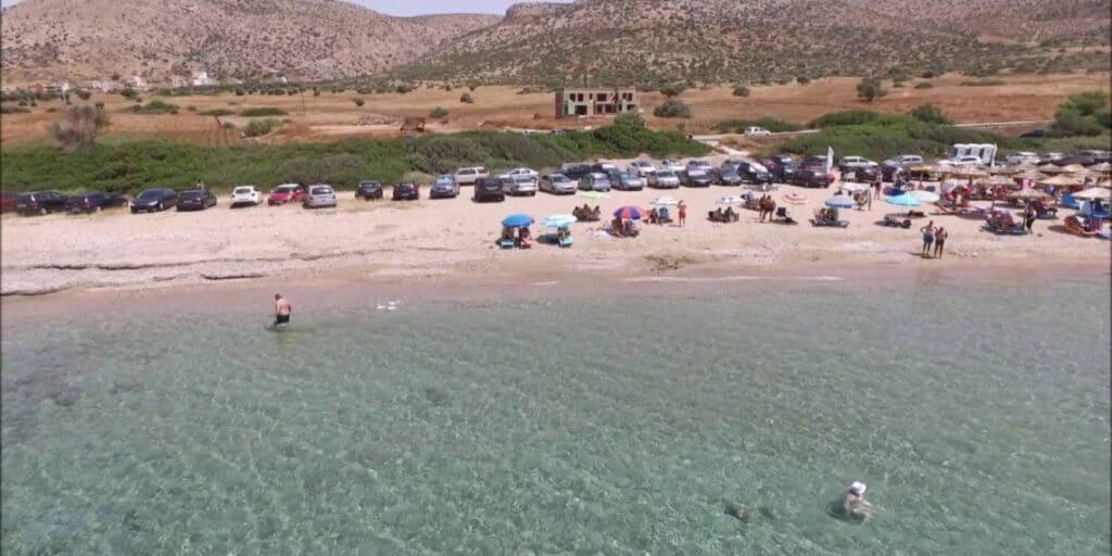 Οι απλωμένες παραλίες με ρηχά νερά στην Αττική
