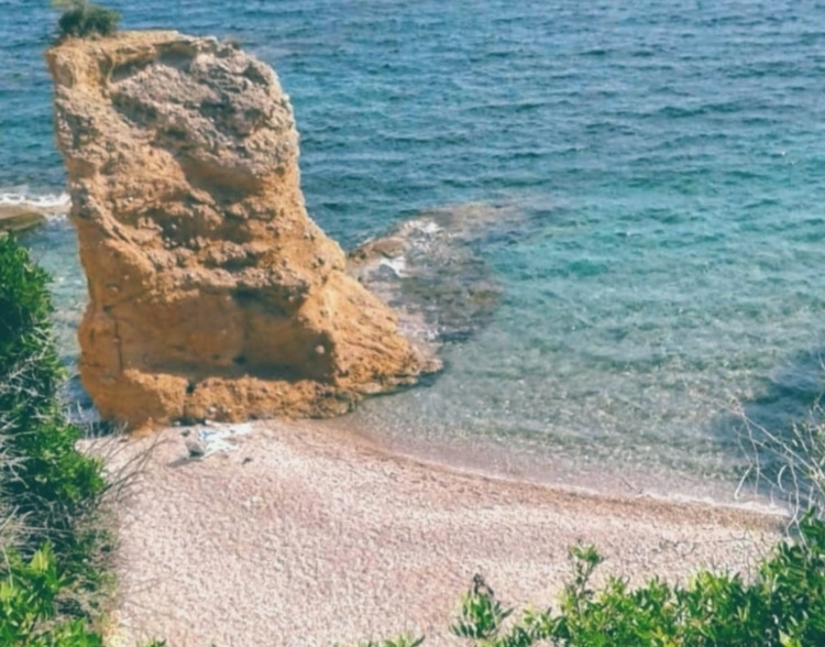 The hidden beach of Attica where you go... Swimming