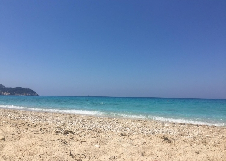 Pefkoulia: The blue beach that you enjoy the waves