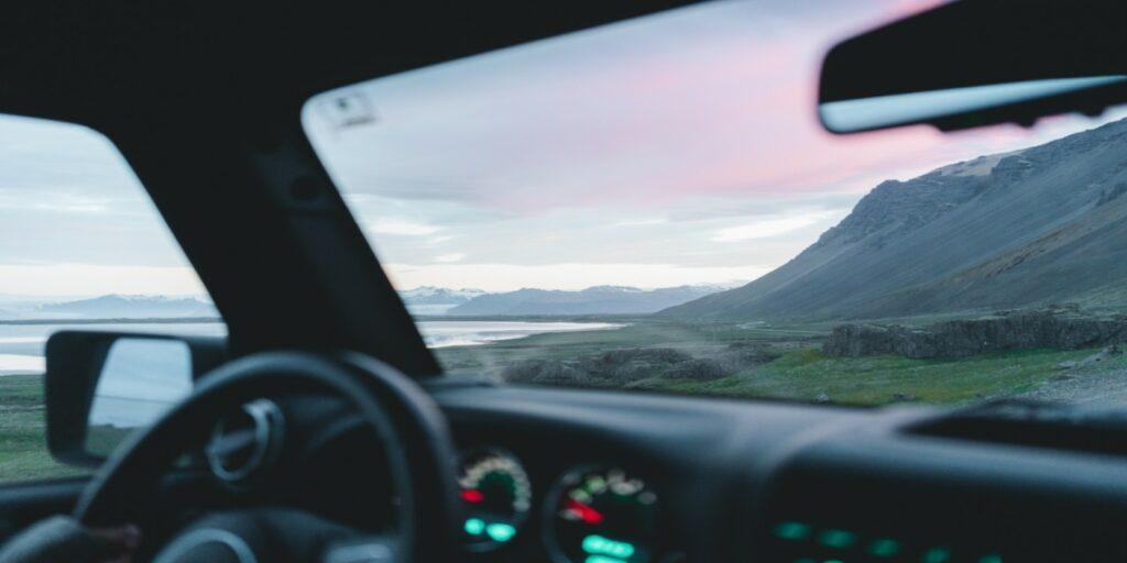 Για ποιο λόγο τα πίσω παράθυρα κάποιων αυτοκινήτων δεν κατεβαίνουν έως κάτω