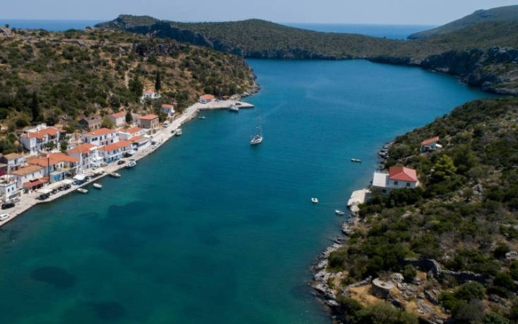 Gerakas: The beautiful and unknown fjord of Greece