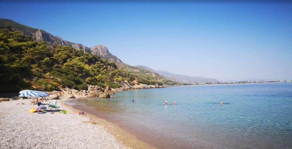 Πούντα: Η παραλία που πας οδικώς και μοιάζει με νησί1