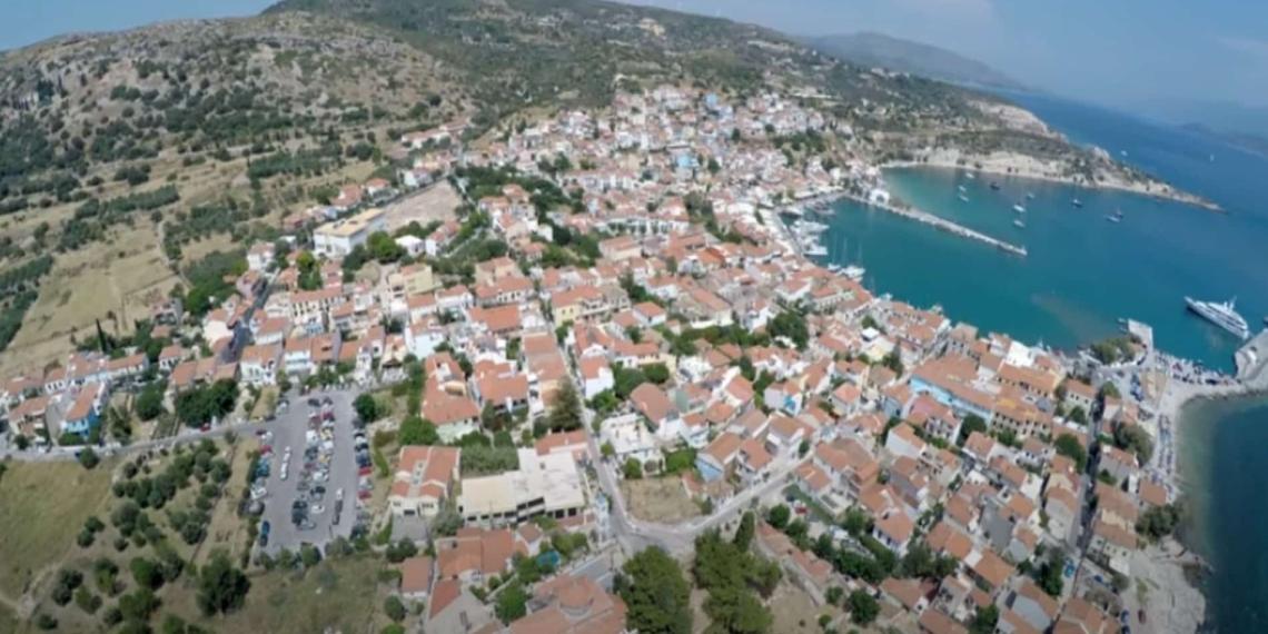 Το πασίγνωστο ελληνικό χωριό που κάποτε λεγόταν Τηγάνι!