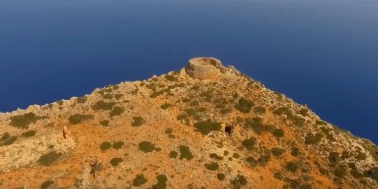 Σπάθα: Το ελληνικό ακρωτήρι που μοιάζει με σπαθί