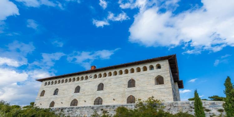 Μέγαρο της Δουκίσσης Πλακεντίας: Η ιστορία και οι θρύλοι που το συνοδεύουν