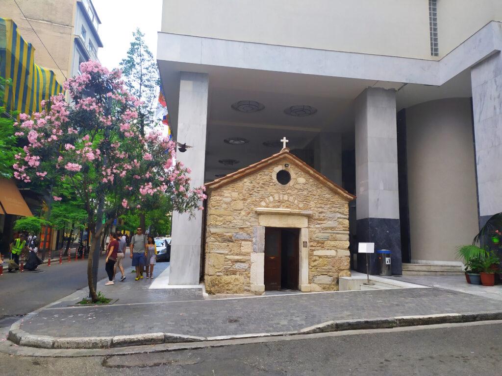 Αγία Δύναμη: Το άγνωστο σε πολλούς εκκλησάκι στο κέντρο της Αθήνας