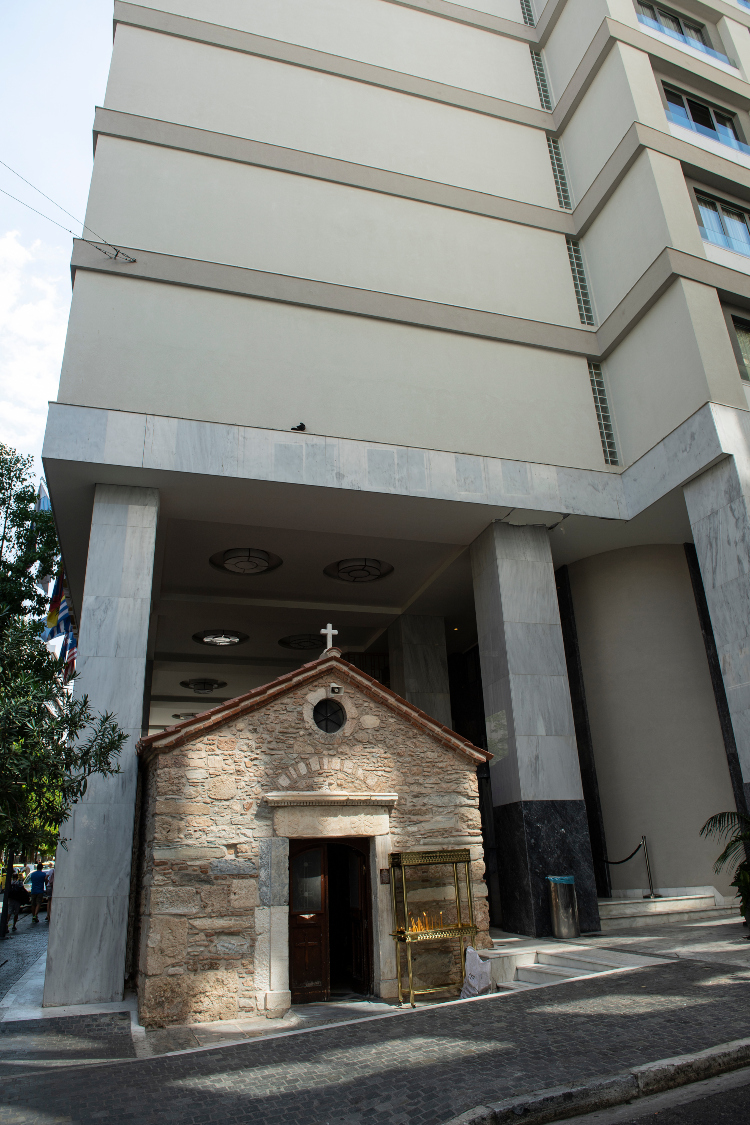 Αγία Δύναμη: Το άγνωστο εκκλησάκι στο κέντρο της Αθήνας