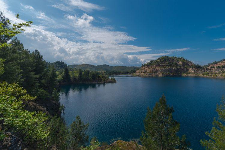Μια τέτοια περίπτωση είναι στην Εύβοια και συγκεκριμένα στη βόρεια πλευρά της, Εύβοια: Τα ορυχεία που σήμερα είναι άγνωστες… αλπικές λίμνες, Eviathema.gr   ΕΥΒΟΙΑ ΝΕΑ - Νέα και ειδήσεις από όλη την Εύβοια